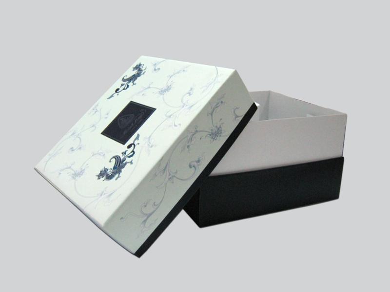Vai trò của hộp giấy đựng quà tặng sang trọng